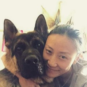 Dog saves woman before earthquake