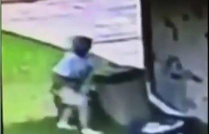 Elderly woman threw dog in the trash