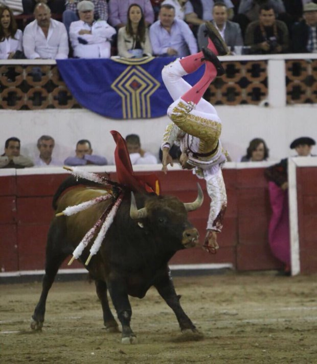 Mexican Bullfighter Gored In His Testicles As Blood Stains His