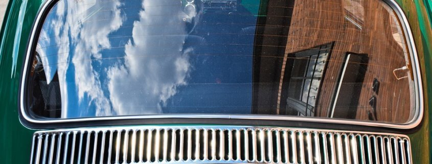Three dogs died from heat stroke in parked car
